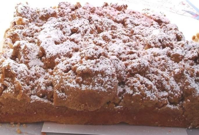 b-w-crumb-cake
