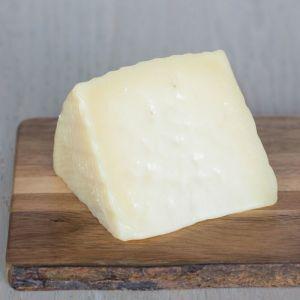 manchego-cheese-pdo-aged-over-6-months-carpuela__76279.1541180487.1280.1280